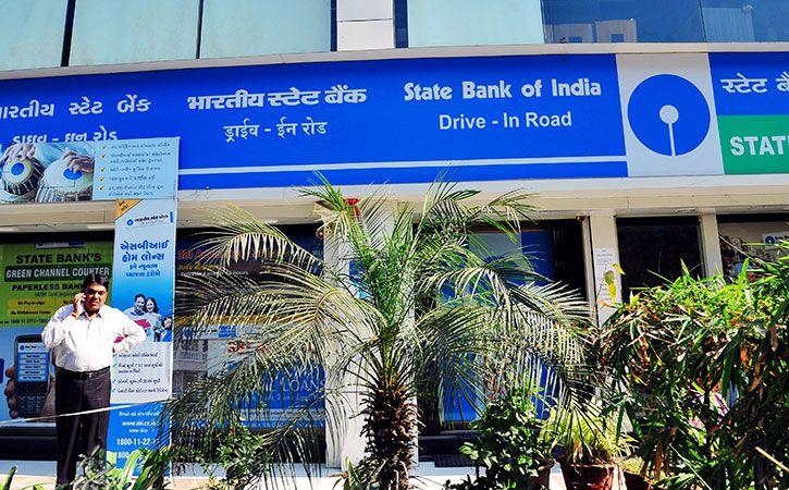 SBI To Cut Minimum Balance Requirement
