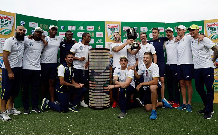South Africa Team Poses For Picture Split By Colour
