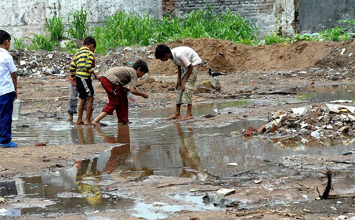 Tribal Students Drink Drainage Water In Bundelkhand School
