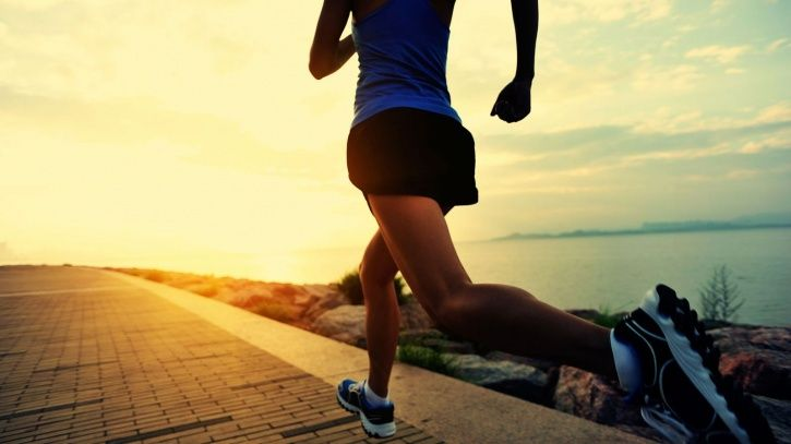 7 Hacks That Can Help You Stay Fit If You're Always On The Move