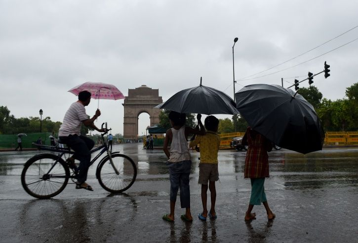 After A Long Spell Of Dust Storms & Vehicular Emissions, Delhi Finally Breathes 'Good' Air