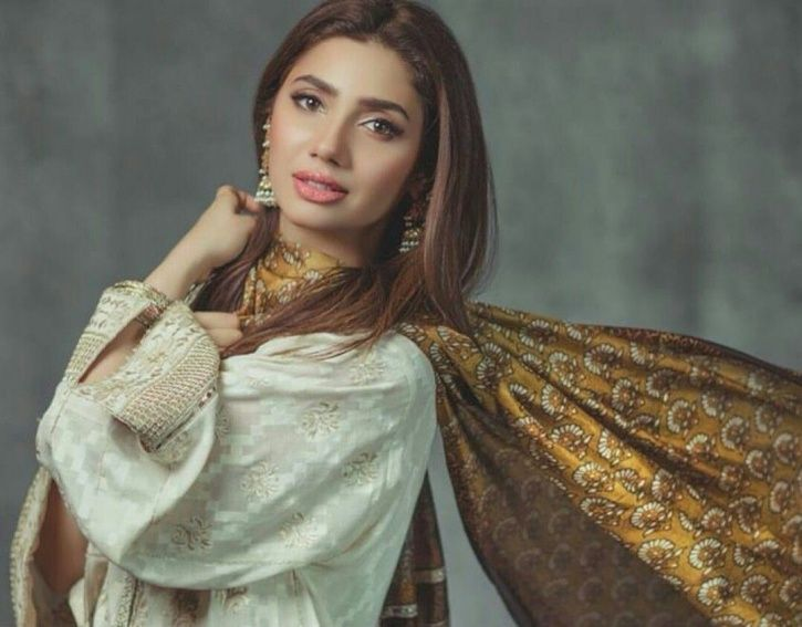 After Being Brutally Trolled For Missing Pakitan Elections, Mahira Khan Expresses Regret