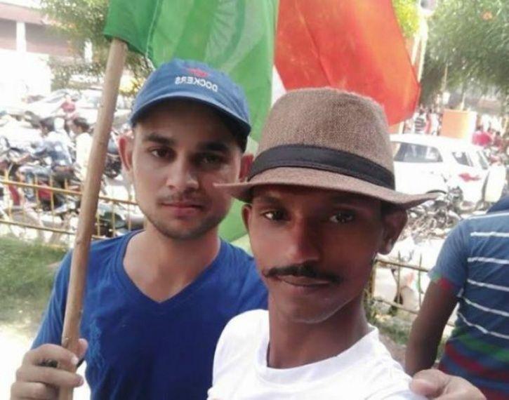 Agra boy Live steams suicide