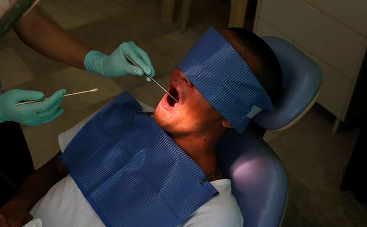 Careless Doctor Leaves Needle In Jaw