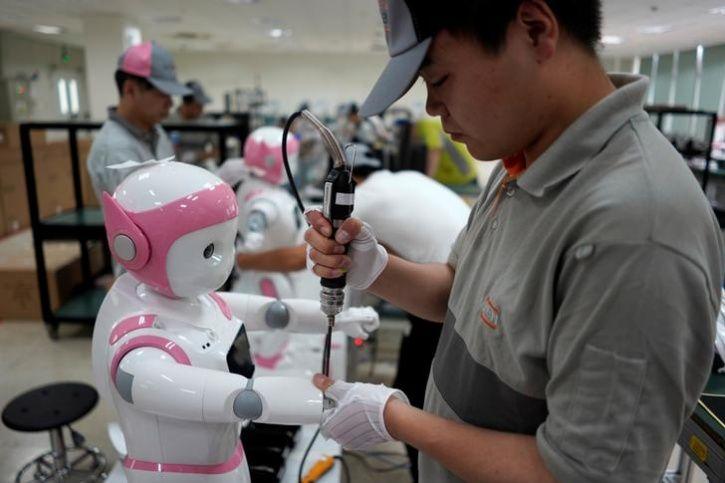 Ipal Social Robots10