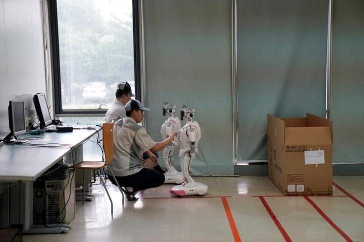 Ipal Social Robots14