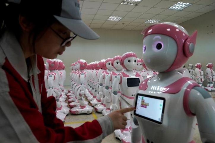 Ipal Social Robots4