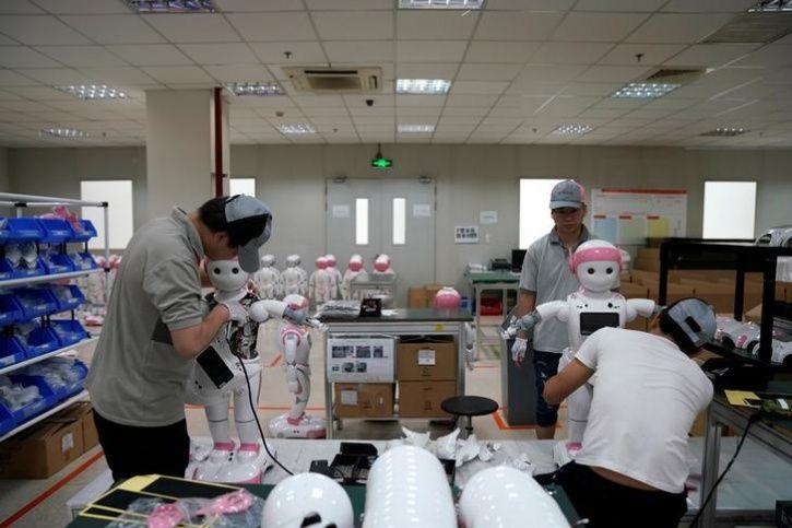 Ipal Social Robots9