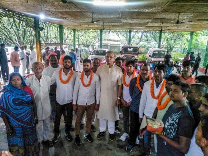Jayant Sinha Garlants Lynching Convicts