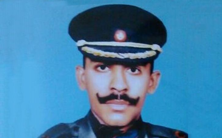 Kargil Martyr Teenaged Daughter Pens Book About Father Valour