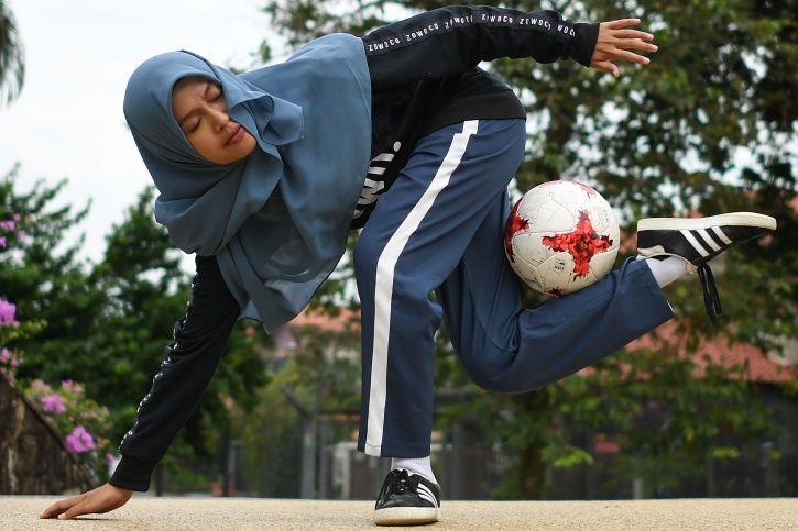 Malaysian Girl Wearing A Hijab