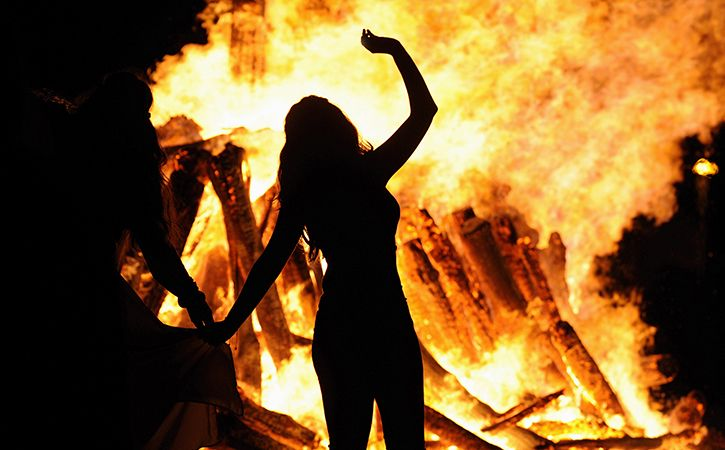Mother Of Two Gang Raped By Five Dragged To Temple Burnt Alive