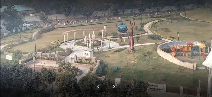 Prakriti park, metro, red line, shastri park