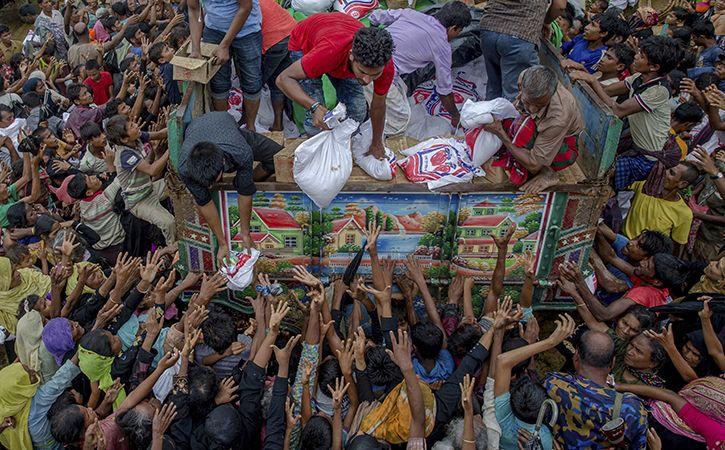 Rajnath Offers More Aid To Dhaka For Rohingya