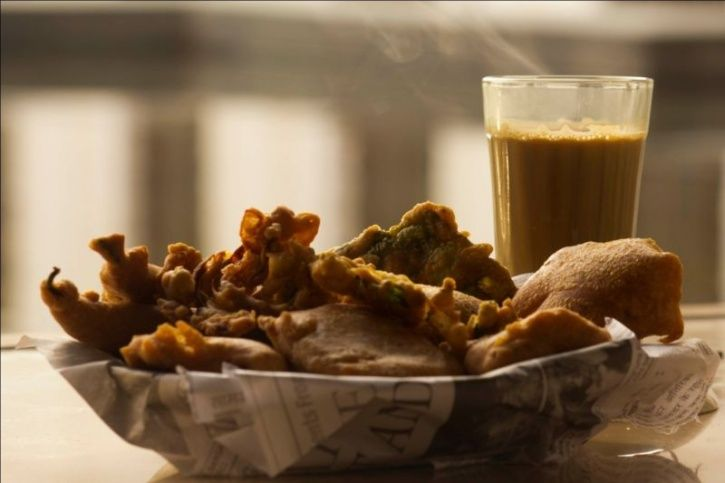 This Food Guide By Rujuta Diwekar Will Allow You To Enjoy The Monsoons Guilt-Free