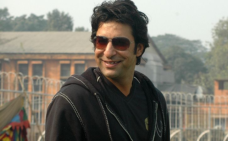 Wasim Akram Flies From London To Cast Vote And Many Cricketers Want Imran Khan As PM
