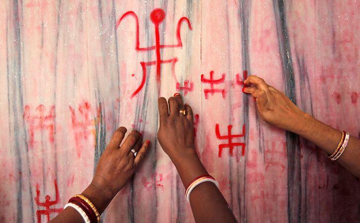 Women Not Welcom In Temple