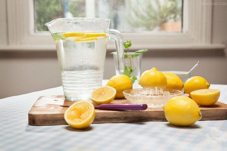 5 Health Issues Lemon Water Can Solve. Here's How To Best Have It