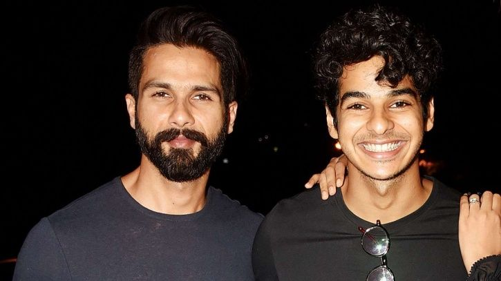 A photo of Shahid Kapoor and his brother Ishaan Khatter who is making his Bollywood debut in Dhadak.