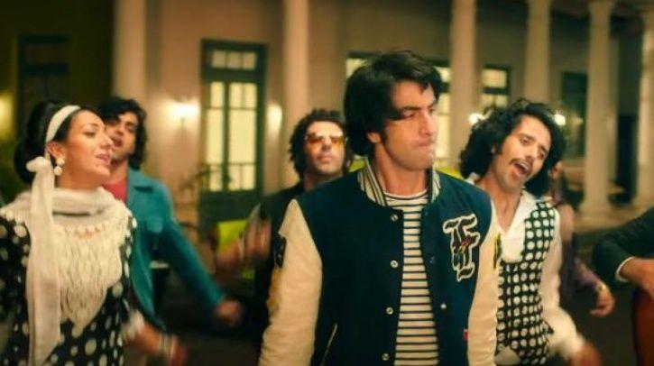 A picture of Ranbir Kapoor as Sanjay Dutt and Jim Sarbh as Salman Khan from biopic Sanju.