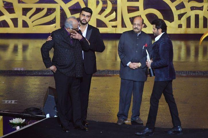 Boney Kapoor gets emotional as he accepts best actor