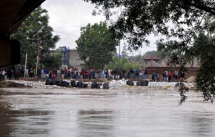 Jhelum river, flood, rains, jammu and kashmir