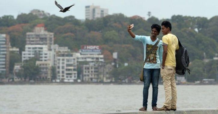 Nashik Man Taking Selfie