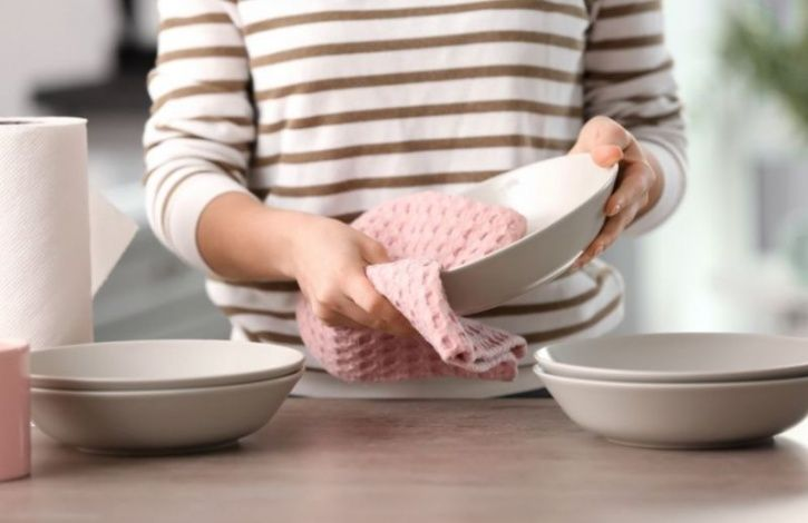 Reusable Kitchen Towels Are Putting You And Your Household At The Risk Of Food Poisoning