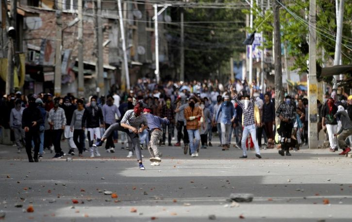 Six Men From Uttar Pradesh, Taken To Work As Tailors, Forced To Pelt Stones In Kashmir