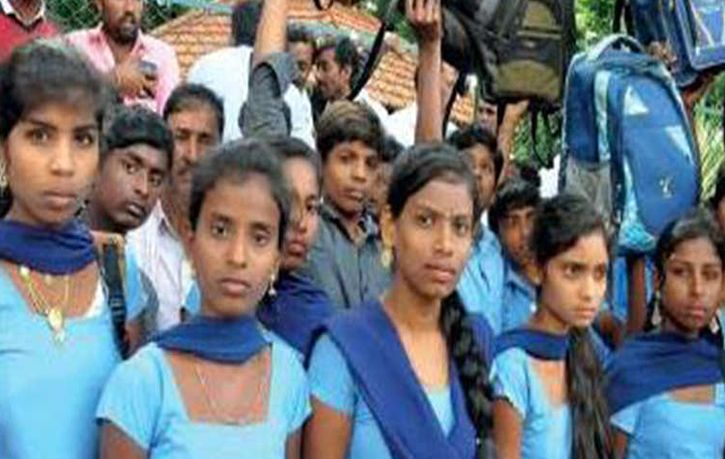 Students Travel 250Km To Meet CM