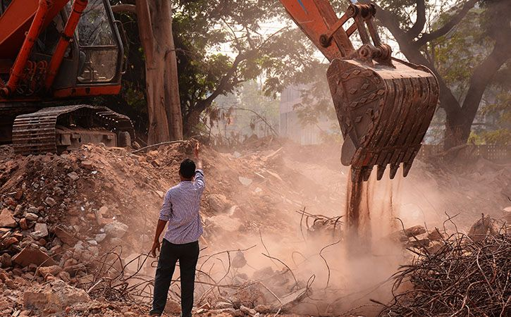 Engineering Students Convert Debris Into Building Blocks