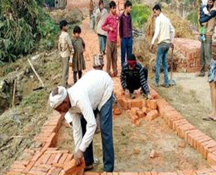Hindus Give Land To Make Way For Masjid