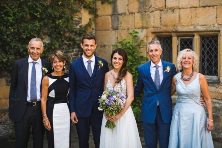 newlyweds discover they were childhood sweethearts