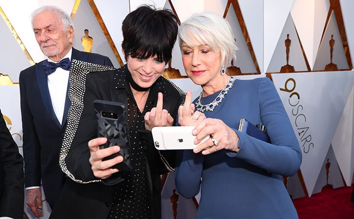 Selfies Banned On Red Carpet At Cannes Film Festival