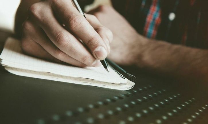 Writing Down Your Failures Can Help You Perform Better In Future Tasks By Reducing Stress