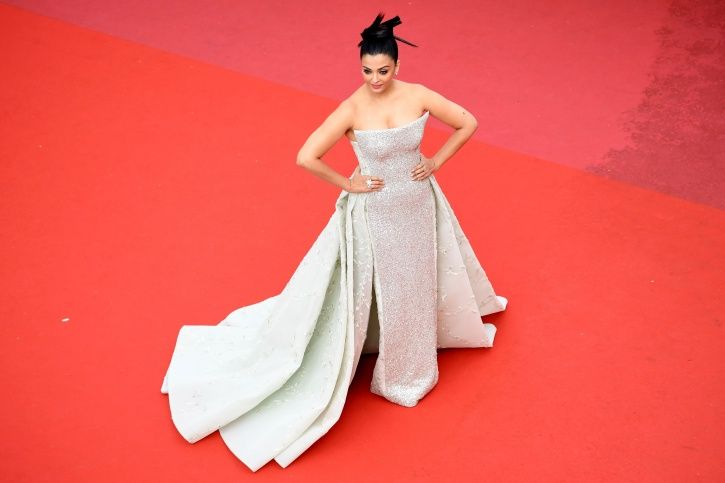 A picture of Aishwarya Rai Bachchan walking the red carpet at Cannes Film Festival 2018.