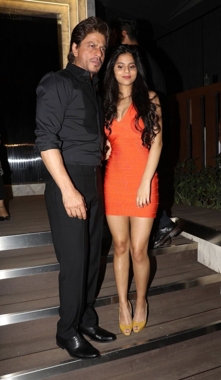 A picture of Shah Rukh Khan with his darling daughter Suhana Khan.