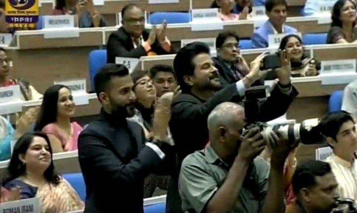 anil Kaporo clicking Sonam Kapoor at her National Award win.