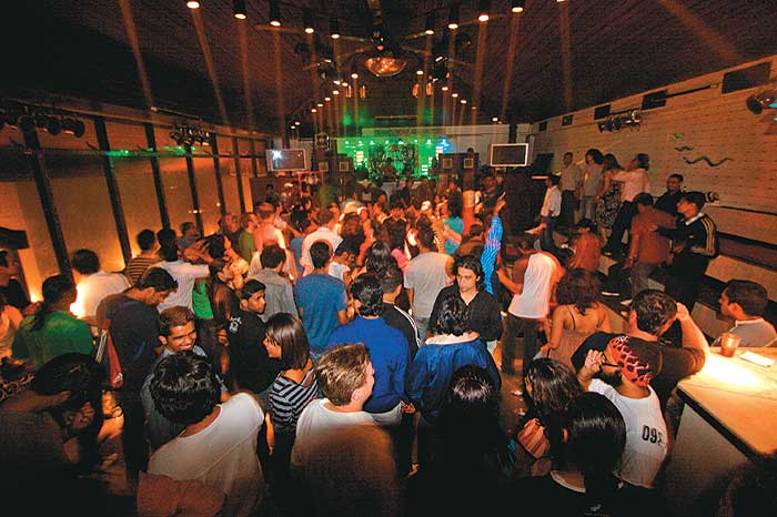 delhi bars