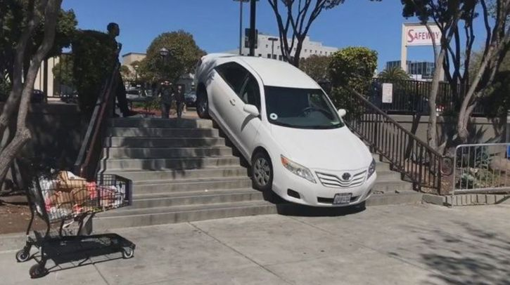 Driver who got his Uber stuck on the stairs