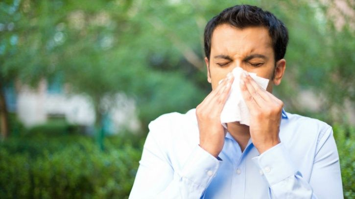 Dust And Cockroaches Are The Biggest Cause Of Allergic Asthma In India. Here's How To Manage It