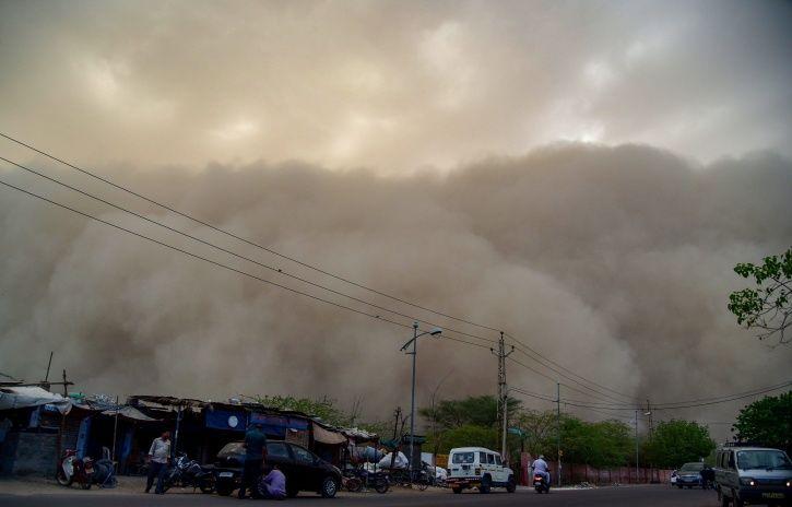 embed dust storm delhi