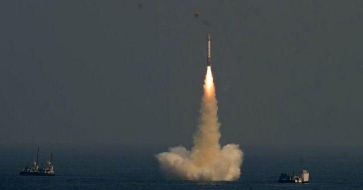 embed submarine missile