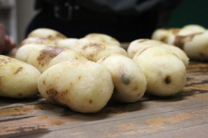 From Pink Pineapples To Healthier Potatoes, Here's A List Of Tasty FDA Approved Genetically Modified