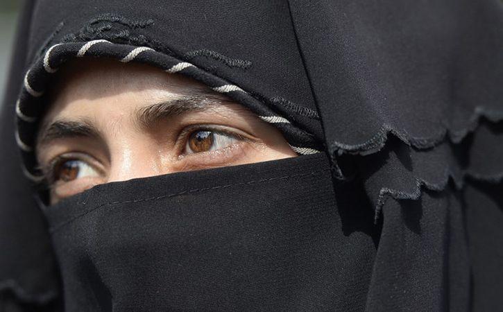 Hizbul Warns Kashmiri Women