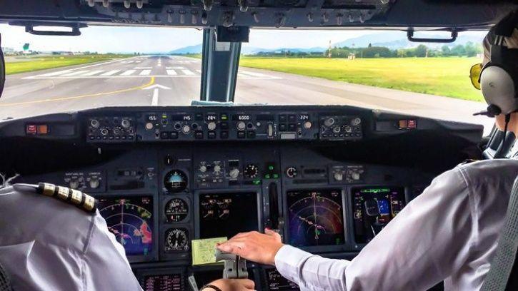 Jet Airways pilots clicking selfies