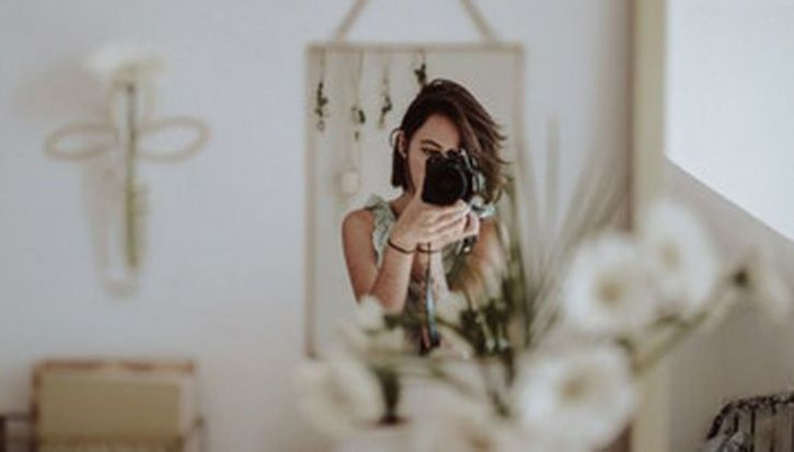 less stress taking selfie