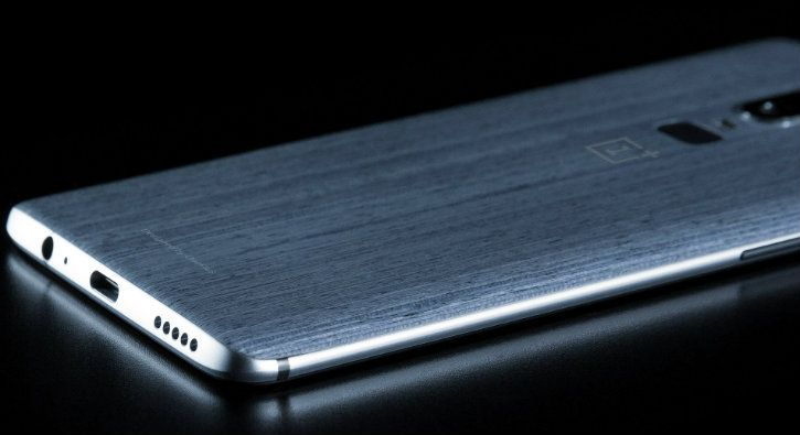 OnePlus 6 wood panel edition