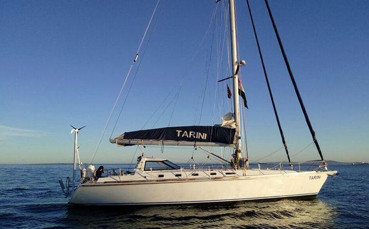 tarini boat