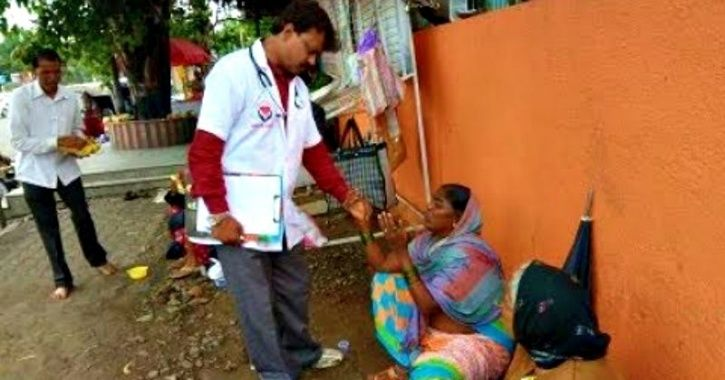The doctor treats those beggars for free. Dr Abhijeet Sonawane starts his day by visiting shrines a
